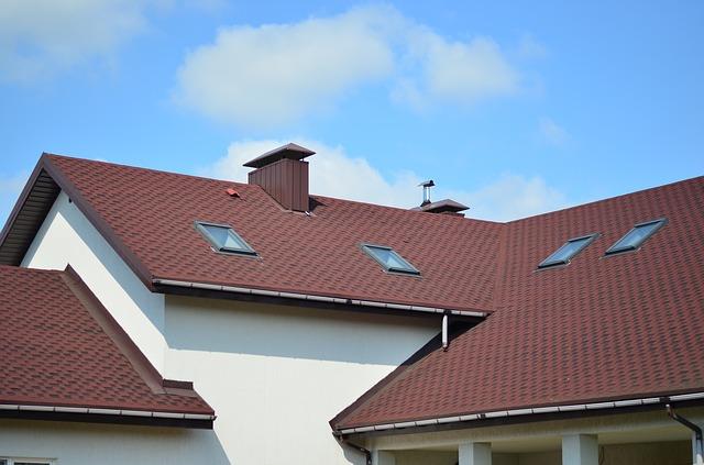 Llanelli roofing contractors work on site